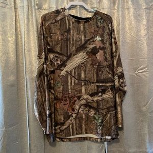 🌸2/$15🌸 Long Sleeve Camo Dry Fit